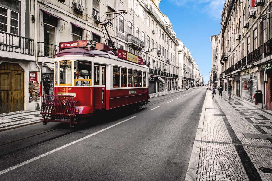 Comfort travel solutions. Lisboa private tours