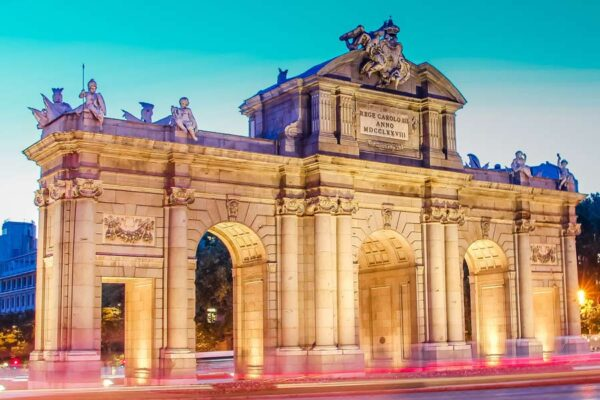 Comfort travel solutions. Madrid private tours